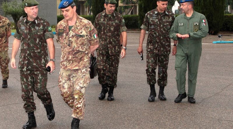 Delegazione Esercito Brasiliano visita l'AVES